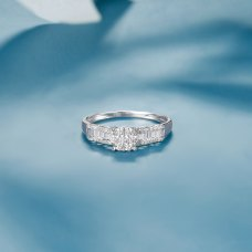 Gins Diamond Ring 18K White Gold