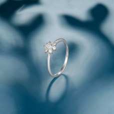 Remissie Diamond Ring 18K White Gold