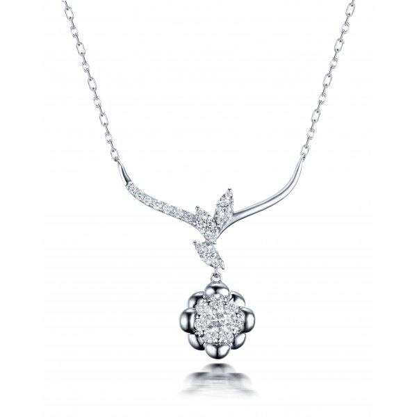 Lynnia Diamond Necklace 18K White Gold