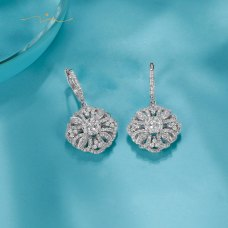 Waylie Diamond Earring 18K White Gold