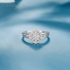 Cotnie Diamond Ring 18K White Gold