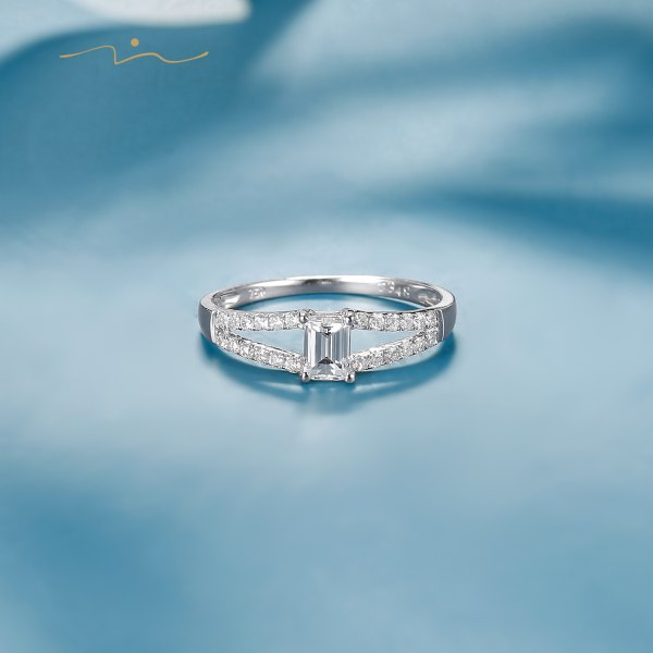 Covien Diamond Ring 18K White Gold