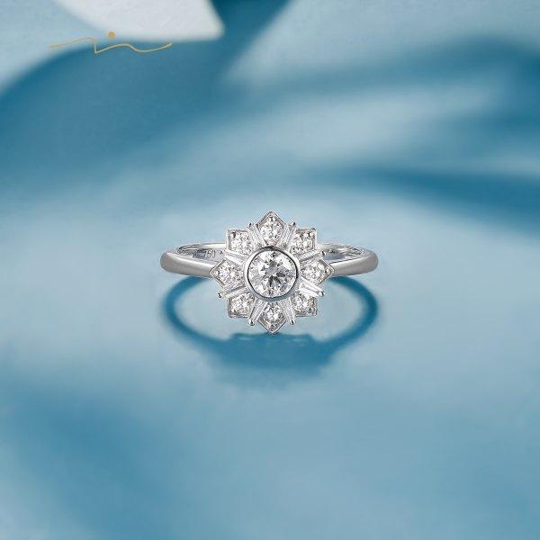 Shing Diamond Ring 18K White Gold