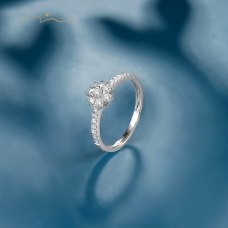 Deirl Diamond Ring 18K White Gold
