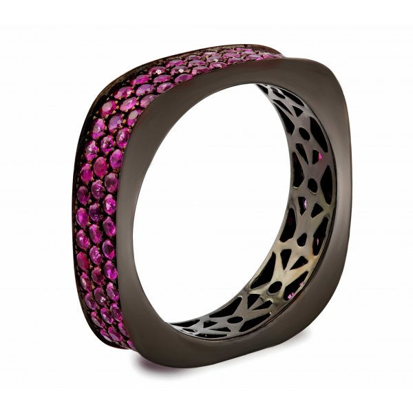 Boti Pave Ruby Black Gold RIng